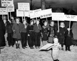 labor sit down strike children